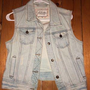 Jackets & Blazers - Jean vest size medium